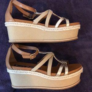 Juicy Couture platform women's sandals size 7.5